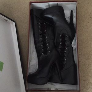 Demonia crypto-300 size7 NIB knee boot black